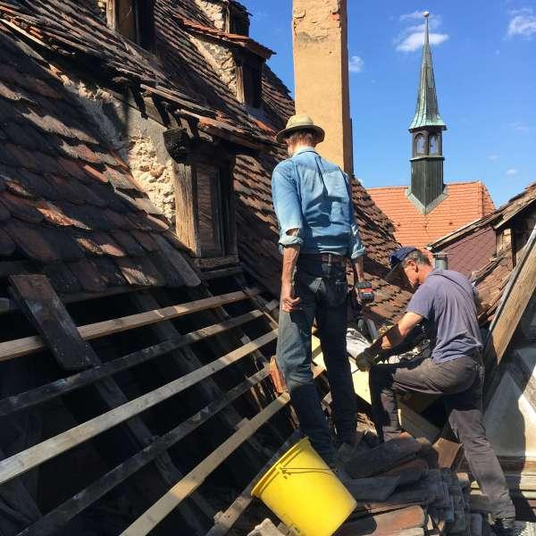 Dachlatten und Ziegel erneuern