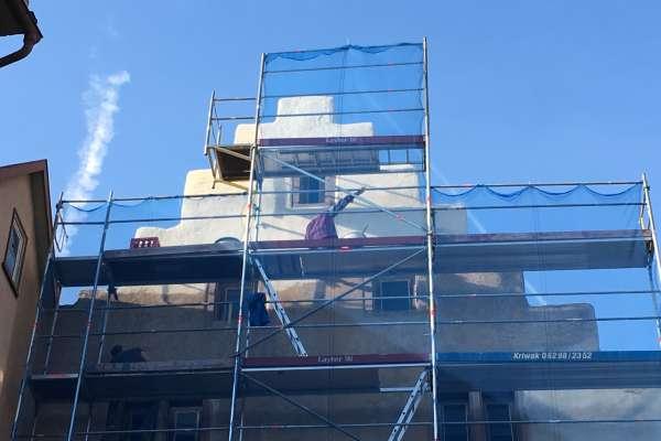 Fassade: Verputzen und streichen